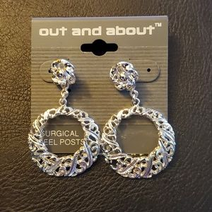 Jewelry - Boutique Silver Plated Dangle Earrings